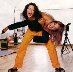 Shalom Harlow & Amber Valletta. 90's models.