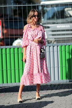 A guest is wearing a pink dress, outside the Chanel show, during Paris Fashion Week Spring Summer at Grand Palais, on October 2016 in Paris, France. Pink Outfits, Colourful Outfits, Colorful Fashion, Cool Outfits, Vestidos Color Rosa, Dress Skirt, Dress Up, Outfit Combinations, Beautiful Outfits
