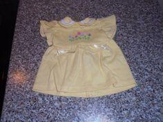 Puppen-Kleid-Oberteil-in-gelb-mit-Blumen