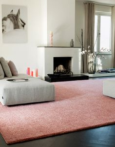 Seeking a new bedroom carpet? We has a large range of colours, designs as well as patterns to your inspiration. It can be utilized to identify what carpet is best for you in your bedroom. Sustainable Flooring, Modern Bedroom, Home, Living Room Carpet, Vintage Carpet, How To Clean Carpet, Bedroom Carpet, Pink Carpet, Bedroom Colors