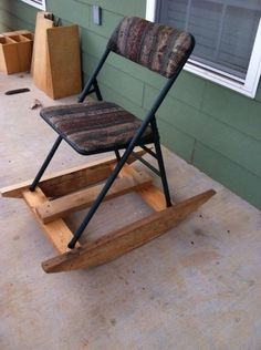 You probably never considered this before, but you have to be in awe of redneck engineering. Here is a special selection of the most funny and crazy examples of redneck engineering. Fold Up Chairs, Weird Inventions, Redneck Humor, Redneck Gifts, Youre Doing It Wrong, Funny Memes, Hilarious, Funny Sayings, Funny Videos