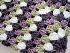 Crochet granny square baby blanket handmade por ArrayOfCrochet