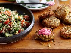 A healthy take on the Middle Eastern classic, we've added high protein quinoa to the tabouli for a gluten-free alternative. It's perfect alongside our wholesome chickpea falafels.