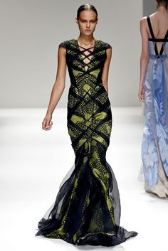 "Spring 2013 RTW ~ #Bibhu_Mohapatra ~ ""criss-cross the swamp""  #fashion #couture"
