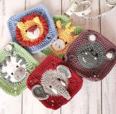 Hottest Cost-Free Granny Squares Crochet animals Thoughts Get empowered for Nana Sq Morning 2019 together with 16 must-hook makes.Whether you happen to be a n Crochet Blocks, Afghan Crochet Patterns, Crochet Squares, Crochet Granny, Amigurumi Patterns, Baby Blanket Crochet, Crochet Motif, Crochet Stitches, Granny Squares