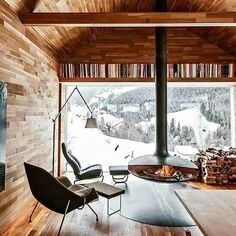 Modern Mountain Chalet-Otmar Prenner designer - Location Vinschgau, a comune in South Tyrol, northern Italy Chalet Design, Chalet Style, Chalet Interior, Interior Design, Ski Chalet Decor, Minimalist Fireplace, Floating Fireplace, Easy Wood Projects, Project Projects
