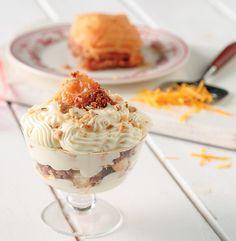 Στην κουζίνα όλα είναι αξιοποιήσιμα και υπάρχουν οικονομικοί τρόποι να απολαύσετε στα γρήγορα ακόμα και ένα ωραιότατο γλυκάκι που θα φτιάξετε από τα κουλούρια ή κέικ που περίσσεψε. Trifle, Cheesecake, Food And Drink, Pudding, Sweets, Sugar, Desserts, Recipes, Boss