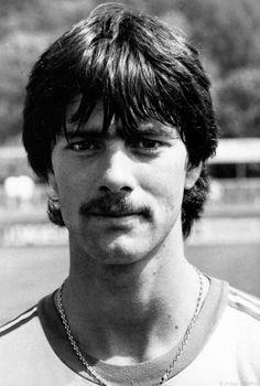 Joachim Löw ,él DT de Alemania en sus tiempos de jugador.