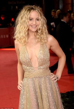 Red Sparrow is directed by Francis Lawrence, who previously directed Jennifer in The Hunge...