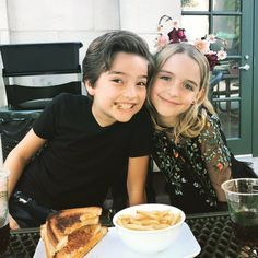 Mckenna Grace / Elias Harger
