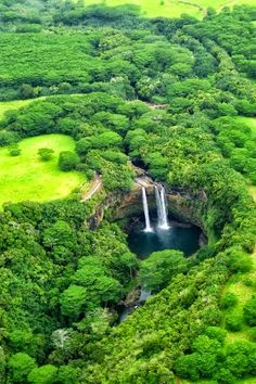 Wailua Falls, island of Kauai, HAWAII, USA.