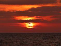 Desde las Islas Canarias  ..Fotografias  : Espectacular Amanecer en Puerto del Rosario  Fuert...
