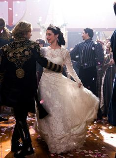 "Top 30 Dresses Queen Mary Wore On The CW's ""Reign"" Adelaide Kane as Mary Stuart, Queen of Scots in Reign (TV Series, Kane as Mary Stuart, Queen of Scots in Reign (TV Series, Mary Stuart Reign, Marie Stuart, Reign Mary And Francis, Adelaide Kane, Dress First, The Dress, Serie Reign, Moda Medieval, Reign Tv Show"