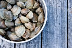 Throw a Summer Clambake from Weight Watchers Fire up the coals! Create summer memories with a tasty, healthy seafood cookout. Cape Cod Collegiate, Steamed Clams, Red Tomato, Summer Memories, Blue Beach, May Flowers, Weight Watchers Meals, Coastal Style, Recipe Collection