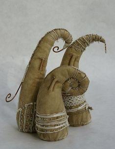 'Dudes' by Solarka - soft sculpture Textile Sculpture, Textile Fiber Art, Soft Sculpture, Fabric Art, Fabric Crafts, Fabric Birds, Fibre And Fabric, Art Plastique, Softies