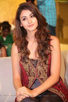 Aditi Arya Beautiful Girl Indian, Most Beautiful Indian Actress, Beautiful Girl Image, Beautiful Gorgeous, Beautiful Actresses, Gorgeous Women, Cute Girl Face, Cute Girl Photo, Aditi Arya