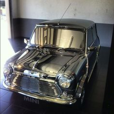 David Bowie's stunning, if impractical, Classic Mini made an appearance at MINI United 2012 this year.