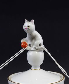 Porcelain Drip Catcher As Cat With Ball Hand-Painted Lindner 9986223