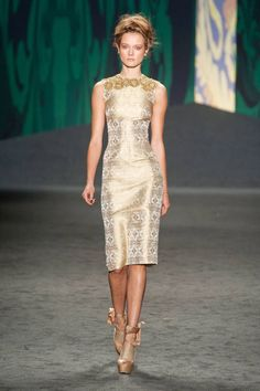 Vera Wang Spring 2013 Ready-to-Wear Runway - Vera Wang Ready-to-Wear Collection - ELLE