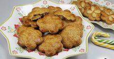 Pastelillos murcianos de cabello de ángel o pasta flora, cocina tradicional,dulces murciano.