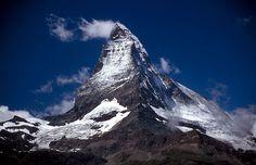 Matterhorn im Schweiz Reiseführer http://www.abenteurer.net/2798-schweiz-reisefuehrer/