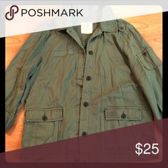 American Eagle Green Cargo Military Top Jacket XL This is a gorgeous AE women's button up top/lightweight jacket in size XL. American Eagle Outfitters Tops