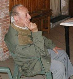 Piero Becucci durante gli incontri del progetto a Usigliano di Lari (Pisa) nel 2004