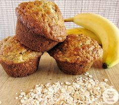 Oatmeal Muffins Banana Oatmeal Muffins - This recipe makes a tasty, tender muffin with a nicely rounded top. ~ Older Mommy Still YummyBanana Oatmeal Muffins - This recipe makes a tasty, tender muffin with a nicely rounded top. ~ Older Mommy Still Yummy Baby Food Recipes, Dessert Recipes, Top Recipes, Cooking Recipes, Cooking Tips, Baking Desserts, Cake Baking, Recipies, Cake Recipes