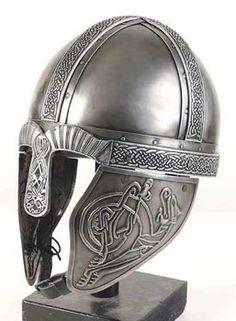 A viking helmet! Remember it is just a myth that vikings had horn on their helmets! Viking Armor, Viking Helmet, Medieval Armor, Viking Dress, Medieval Fantasy, Armadura Medieval, Helmet Armor, Arm Armor, Ancient Vikings