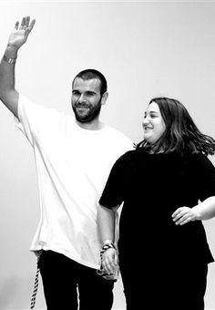 Marques'Almeida nomeados nos BFA (British Fashion Awards). A dupla de criadores portugueses Marques'Almeida está nomeada para os British Fashion Awards, na categoria de Talento Emergente na Moda Feminina.
