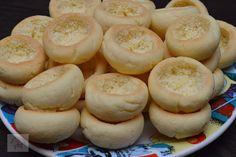 Piersici umplute cu crema - CAIETUL CU RETETE Coca Cola, Feta, Biscuits, Deserts, Sweets, Bread, Candy, Cookies, Healthy