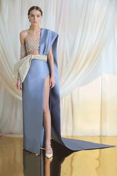 """Azzi & Osta, spring/summer 2019 couture, """"Memoirs from the Silk Road"""" - Style Couture, Haute Couture Fashion, Runway Fashion, Fashion Show, Fashion Design, Ski Fashion, Womens Fashion, Couture Dresses, Fashion Dresses"""