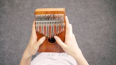 Kalimba-Somewhere Over the Rainbow Canon Music, Pachelbel's Canon, Partition, My Favorite Music, Video Clip, Motion Design, Piano, Music Videos, Tabletop