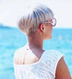 Madeleine Schön Short Hairstyles - 1