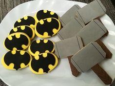 Cookies temática Superhéroes 💪🏻 #cookies #masitas #galletas #thor #batman #vainilla #libertinacandybar #rico #merienda #chicos #martillo #murcielago #heroes