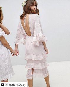 #Repost @code_store.pl with @get_repost ・・・ Śliczna sukienka w rozmiarze 36, cena 400zl plus kw ( cena rynkowa 1090zl) @sellout6 @agilcia…