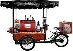 Ein mobiler, autarker Coffee-Shop auf drei Rädern im nostalgischen Design