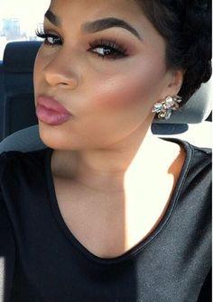 Neutral Eyeshadow | Eye makeup Ideas for Black Women | Everyday Makeup Look For Dark Skin Tone by Makeup Tutorials at http://makeuptutorials.com/8-eyeshadow-ideas-black-women-eye-makeup-ideas/