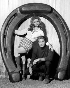 Valerie (Deanna Lund) and Mark (Don Matheson).