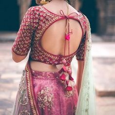 backless bridal blouse designs heavy work Best Picture For maggam work blouse designs For Your Taste Choli Designs, Choli Blouse Design, Pattu Saree Blouse Designs, Fancy Blouse Designs, Bridal Blouse Designs, Indian Blouse Designs, Blouse For Lehenga, Latest Saree Blouse Designs, New Lehenga Choli