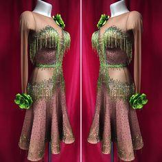 366 отметок «Нравится», 15 комментариев — ПРИНИМАЕМ ТОЛЬКО ПО ЗАПИСИ (@kozlova_official) в Instagram: «#sale Привет-привет!) а у меня хорошие новости) да-да-да)) это платье находится в продаже!!!…» Latin Ballroom Dresses, Ballroom Hair, Latin Dance Dresses, Dance Wear Solutions, Dance Accessories, Dance Outfits, Dance Costumes, Designer Dresses, Fashion Dresses