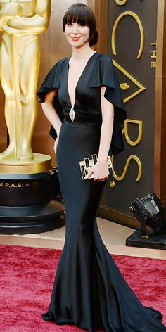 Oscars 2014 Red Carpet Arrivals - Karen O.  This dress is so sophisticated.  I love the way it flows down the back. It could maybe use a bit higher neckline though.