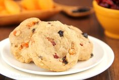One of the most iconic Christmas dessert recipes gets transformed into another type of Christmas treat in this recipe for Sweet and Soft Fruitcake Cookies. Dried fruit pieces, cinnamon, and a bit of brandy make these cookies incredibly flavorful. Best Dessert Recipes, Easy Desserts, Delicious Desserts, Holiday Recipes, Easy Recipes, Decadent Chocolate, Chocolate Desserts, Christmas Desserts, Christmas Baking