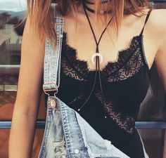 Lace Bralette :: Under Shirt :: Boho Style :: How to wear :: Under wear :: See more Untamed Lingerie Ideas + Inspiration Look Fashion, Fashion Beauty, Womens Fashion, Fashion News, Elegance Fashion, Net Fashion, Curvy Fashion, Girl Fashion, Festival Outfits