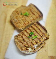 kanapki, kanapki razowe, chleb razowy, razowy chleb, ser zołty, tosty, grzanki, na śniadanie