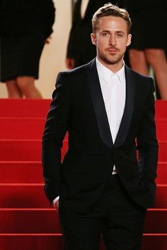 Ryan Gosling gorgeous in Cannes