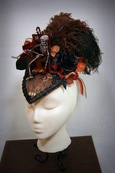 44610de90ad96b Damen viktorianischen gotischen / makabren von TheSistersBrimm  Viktorianisch, Kopfschmuck, Kopfbedeckungen, Damen, Elektrischer