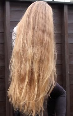 Tips For Changing Your Hairstyle. If you like your hairdo, there's no reason to agonize over making a s Long Hair Play, Very Long Hair, Dark Curly Hair, Blonde Hair, Frizzy Hair, Thin Hair, Modern Hairstyles, Cool Hairstyles, Hairstyle Ideas