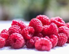 Ríbezľový džem - Receptik.sk Raspberry, Food, Menu, Medicinal Herbs, Vitamin C, Growing Up, Vegetables High In Protein, Get Skinny Fast, Natural Remedies