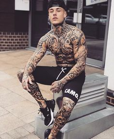 Men's Casual Summer Shorts Sexy Sweatpants Male Fitness Bodybuilding Workout Man Fashion Crossfit Short pant Brand Clothing Mens Body Tattoos, Hot Guys Tattoos, Boy Tattoos, Sleeve Tattoos, Life Tattoos, Tatoos, Tatted Guys, Sexy Tattooed Men, Et Tattoo